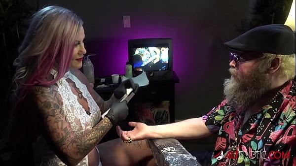 Busty babe Evilyn Ink tattoos Ivan then masturbates